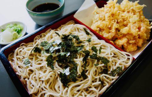 そば処 橋本|伊豆長岡の人気の海鮮たっぷりかき揚げ天ざるを楽しむ