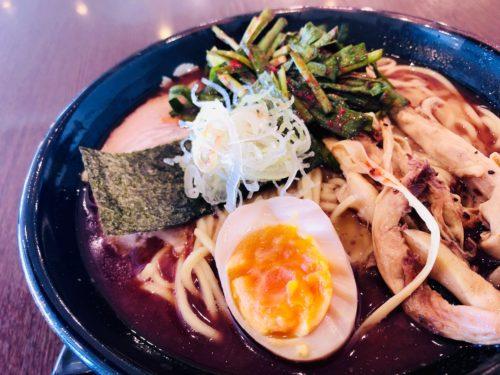 麺処田ぶし 三島店 自家製麺と鰹の濃厚な香味油と豚骨スープが美味