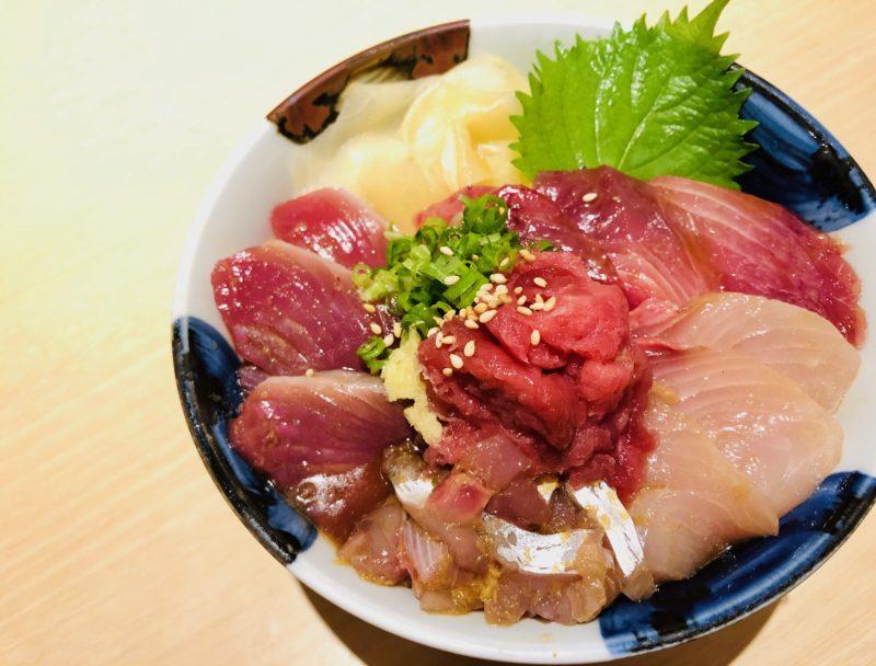 鮮魚・お食事処 山正の五食丼