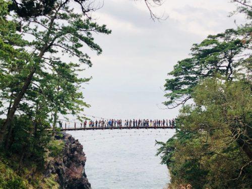 城ヶ崎海岸|門脇吊橋と断崖絶壁が絶景!灯台などの見どころチェック