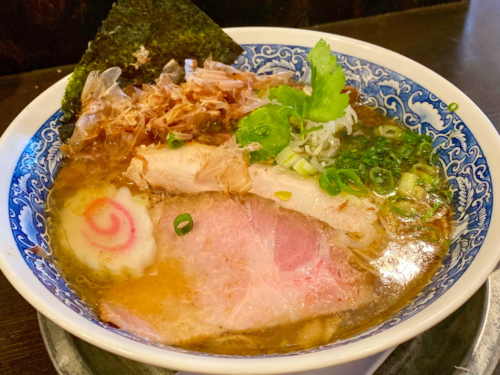 麺奏 弥栄(いやさか)のラーメン